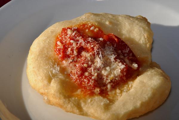 22-01-2012 - Biennale del Gusto - Salvo pizzaioli da tre generazioni - San Giorgio a Cremano (NA) - I Fritti del Regno delle due Sicilie