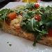 -Pizza in teglia mix 3 farine sarde, farcita con dolcesardo, pomodorini e rucola