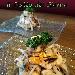 Insalatina di mare grigliata su biscotto integrale di Agerola con lupini e broccoletti - Il piatto ispirato dalla classica Caponata napoletana, vede delle piccole varianti che rendono il piatto più gradevole ed attuale.  La fotografia è stata scattata da Luigi Farina c/o MM Lounge Restaurant di Torre del greco (NA), per inserirla nell