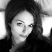 La tradizione di Eduardo e Viviani in una lettura moderna - Anna Novikova, scrittrice e giornalista russa, pubblica la sua prima commedia teatrale, un testo che rispetta la migliore tradizione della pochade o della farsa ambientata a Napoli,  dove la ridda dei caratteristi si muovono in un microcosmo tra le strade e all