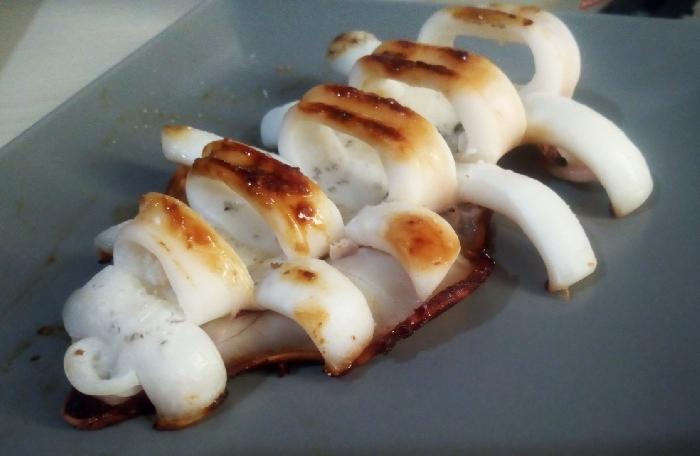 -Calamaro scottato con pomodorino marinato