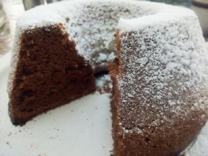 -Ciambellone al cioccolato fondente e grand marnier all'olio vegetale