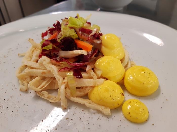 Fettuccine di piadina con insalata capricciosa e maionese