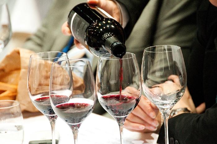 Vino italiano: Studio UniCredit, nel Mezzogiorno il 24% con vini di qualità in crescita.