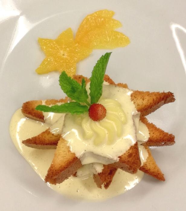 Millefoglie di Pandoro con Arance, Crema Pasticcera e Zabaione al Cointreau