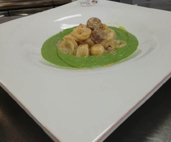 -Orecchiette con coulis di broccoli e salsiccia sarda