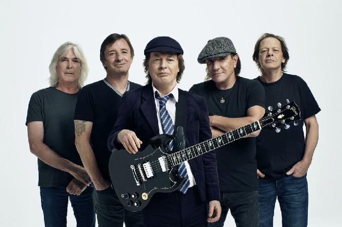 AC/DC - foto di Josh Cheuse