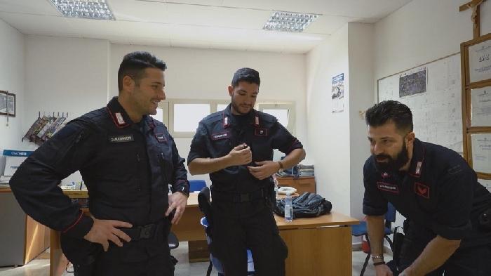 AVAMPOSTI � DISPACCI DAL CONFINE, serie tv in cinque puntate di Claudio Camarca realizzato da Clipper Media in collaborazione con l'Arma dei Carabinieri