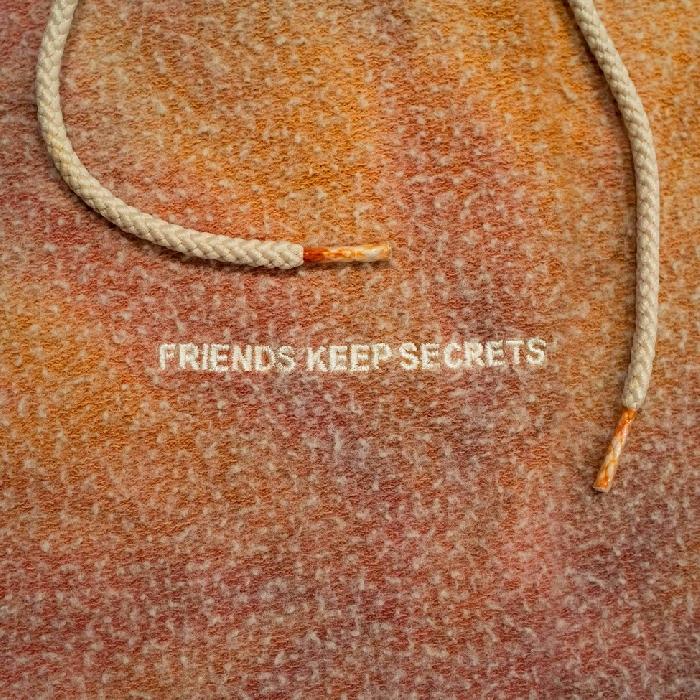 """BENNY BLANCO: è uscito """"FRIENDS KEEP SECRETS 2"""" con JUSTIN BIEBER, JUICE WLRD, MARSHMELLO, VANCE JOY, OMAR APOLLO, 6 DOGS e GRACIE ABRAMS"""