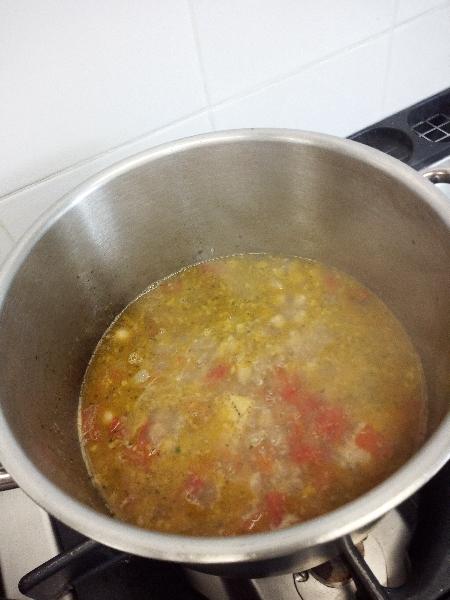 Crema di ceci con zuppa di fregola e calamaro scottato