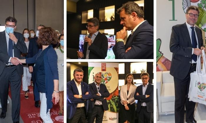 Il lancio di love fruit and veg from Europe, una settimana di eventi e di importanti incontri istituzionali, con la partecipazione attiva del Ministro Giancarlo Giorgetti e del sottosegretario Gianmarco Centinaio.