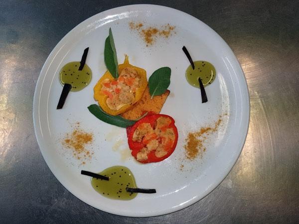 La Ricetta del giorno del 07/02/2018 inserita su spaghettitaliani.com da Giuseppe Esposito: Medaglioni di peperoni  al profumo di salvia