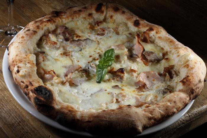 Pizza Porchetta - Brado - Burger Pizza Risto Brace