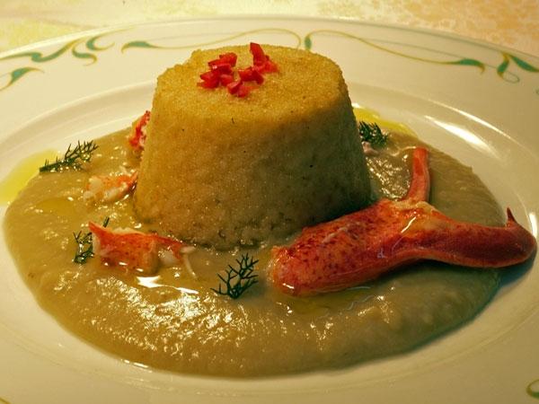 Ricetta inserita su spaghettitaliani.com da Agostino Palmisano: Sformatino di riso con macco di fave e astice
