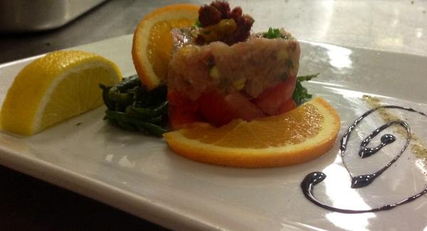 Ricetta inserita su spaghettitaliani.com da Antonella Maddaluni: Tartare di palamita e zucchine marinate all