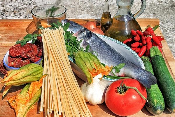 Ciriole con branzino, pomodori secchi e zucchine - Ingredienti