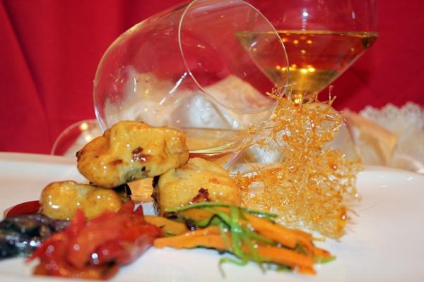 Baccalà in tempura  di ceci aromatizzata con mentuccia e scalogno su ratatouille di verdure croccanti in cristallo d'agrodolce