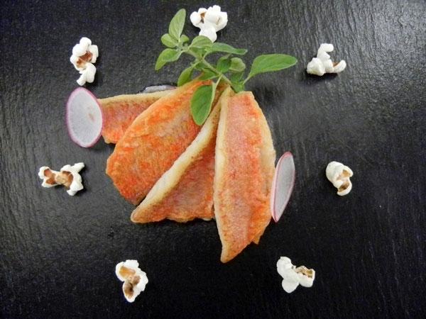Triglie di scoglio, grano saraceno alla genziana, petto d�oca affumicato e pop corn