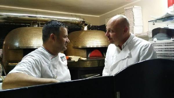 Settima Tappa di Pizzarelle a Go Go - Pizzeria Bella Napoli - Acerra (NA) - I protagonisti: Vincenzo Di Fiore e Stefano Bartolucci