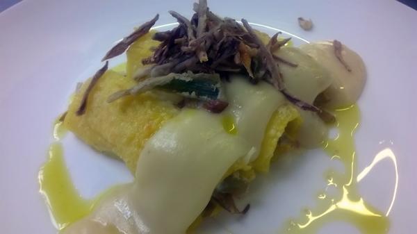 -cannelloni di polenta ripieni di carciofi e robiola su vellutata di patate ed acciughe