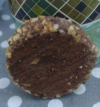 Biscotto al cacao con granella di nocciole