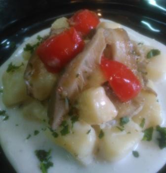 Gnocchi di patate con cardoncello selvatico del sulcis in salsa bianca