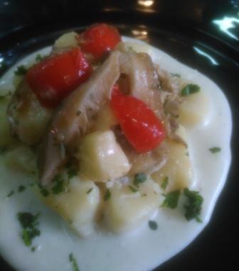 Gnocchi di patate con cardoncello selvatico del sulcis in salsa bianca.