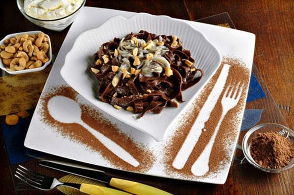 Fettuccine al cacao con ragu alla cannella