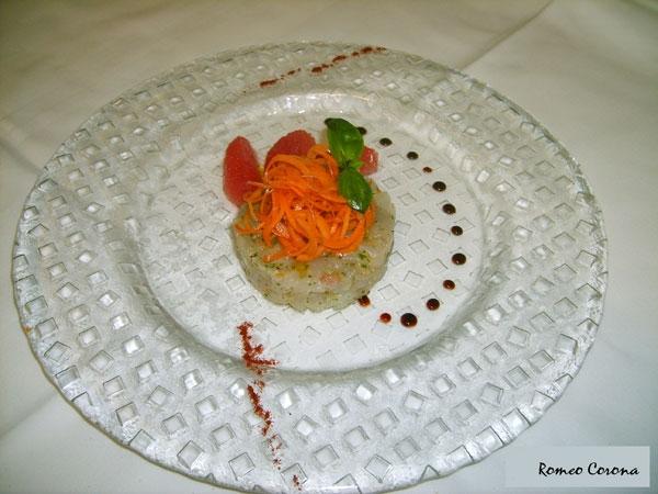 Ricetta inserita su spaghettitaliani.com da Romeo Corona: Tartare di branzino con insalatina di carote e pompelmo rosa