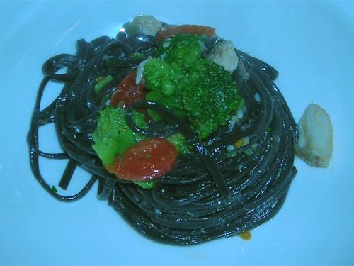 Linguine con gallinella di mare e pomodorini pachino e broccoli