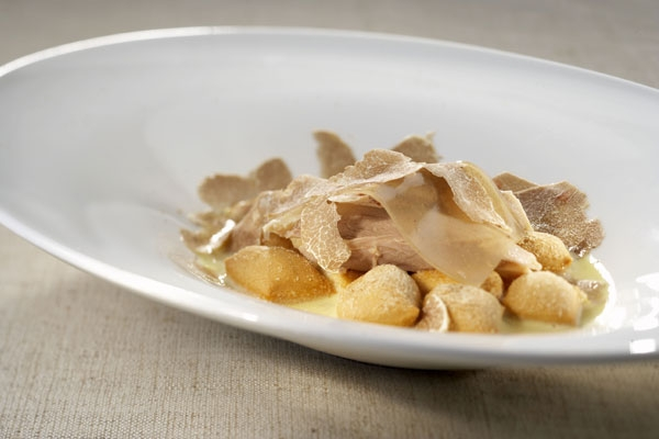 Zuppa di grissini, gallina bianca e tartufo d'Alba