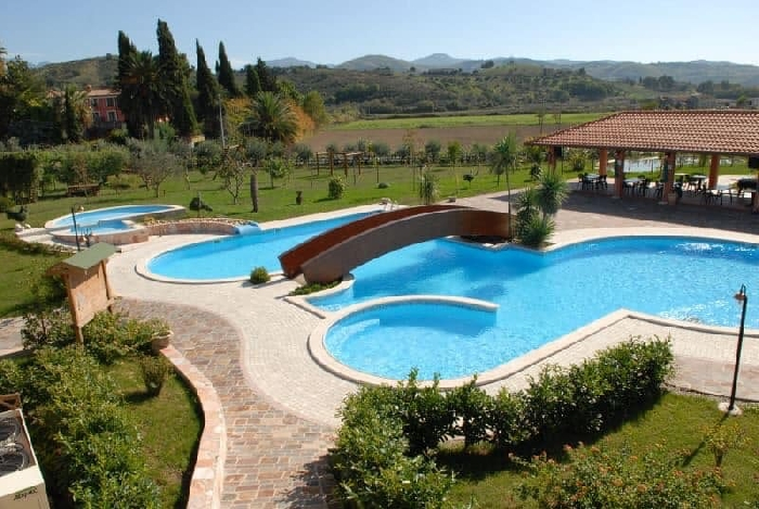 5 Luglio, Parmenide's summer cocktail pool,
