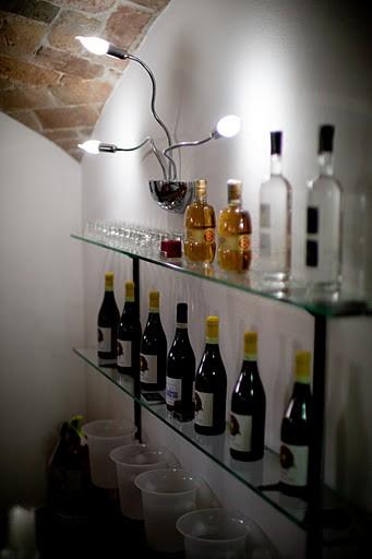 -Angolo Bar