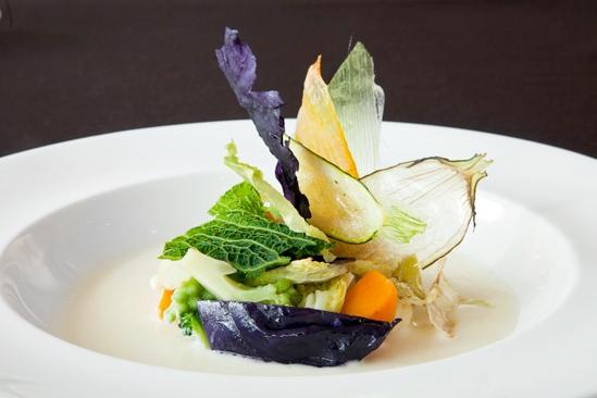 L'orto in autunno (composizione di verdure saltate e disidratate con salsa di acciughe siciliane)