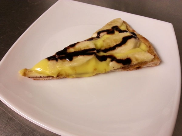 Pizza dessert