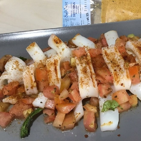 -Calamari grigliati con taccole di bottarga al tonno e farina di bottarga al muggine