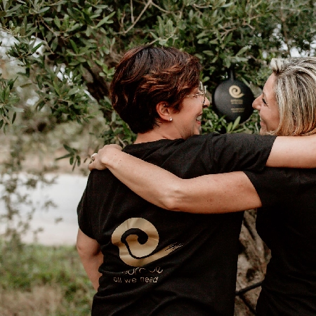 -Olio extra vergine di oliva autentico come un abbraccio