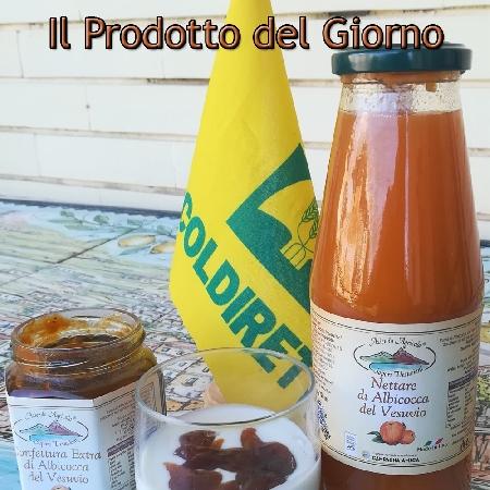 Confettura e Succo di Albicocca Vesuviana prodotti dall'Azienda Agricola Sapori Vesuviani di Portici (NA)