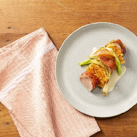 Filetto di maiale con formaggio Stelvio, speck Alto Adige IGP e mele Alto Adige IGP - Autore: Meraner and Hauser