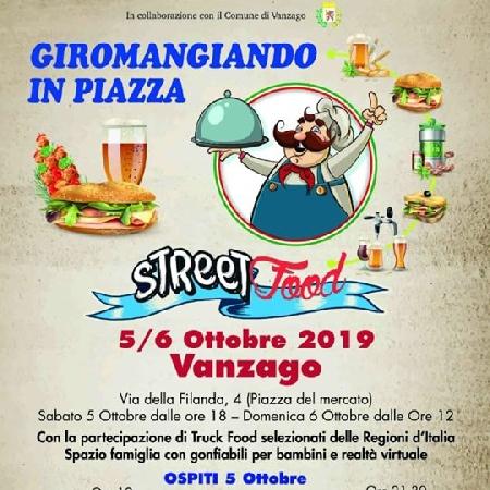 Giromangiando in Piazza - Street Food