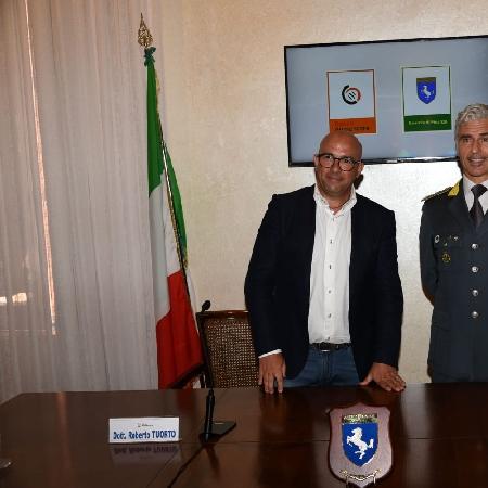 I finanzieri della Campania, attraverso Banco Alimentare Onlus, donano 20.000 pasti alle famiglie bisognose della regione