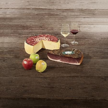 I prodotti di qualità dell'Alto Adige: formaggio, speck, mele e vino