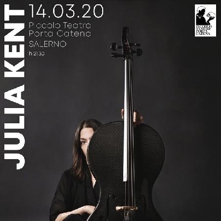 Julia Kent in concerto