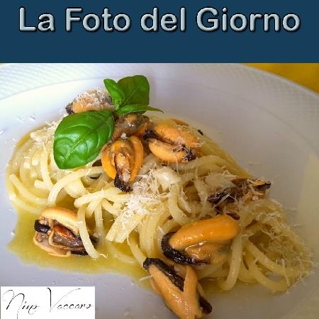 La Foto del Giorno del 16 Settembre 2021 - Spaghetti con aglio, olio e cozze