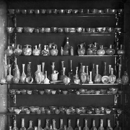 La caffetteria del MANN rinnova l'allestimento, foto d'epoca del Museo tra fine Ottocento ed Inizi Novecento