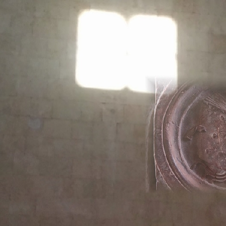 Maschio Angioino, ripartono le visite che svelano Il segreto del Libro di luce.