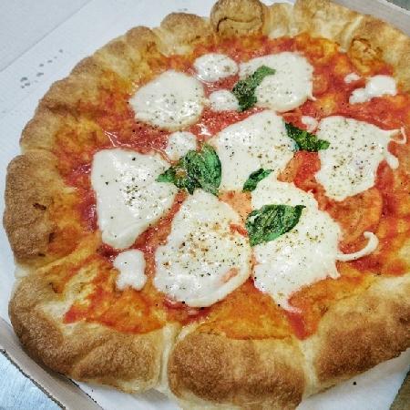 Nasce Qucine Sociali food e drink al centro storico tra arte e cultura nel cuore dei Quartieri Spagnoli a Napoli