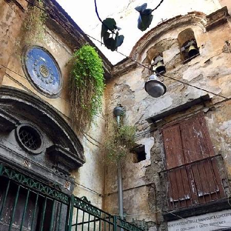 Pio Monte della Misericordia, il restauro della facciata della Chiesa di Santa Luciella con l'iniziativa Generazione Berna