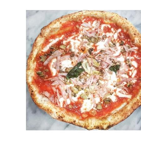 Pizzeria Zamparelli - Margherita con prosciutto e funghi