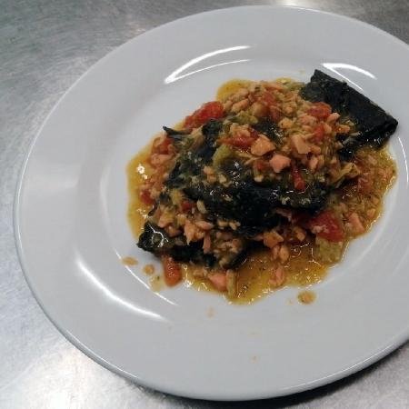 Quadrotti al nero di seppia è bottarga, al salmone, broccoli è pomodorino confit